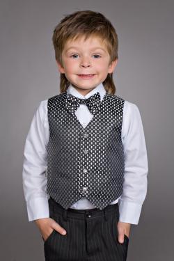 Комплект для мальчика рубашка+брюки + жилетка+ бабочка черная с серебром арт.603-1